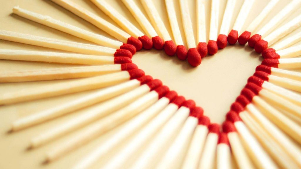 7031525-matches-love-heart-wallpaper